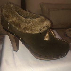 Colin Stuart Brown/Faux Fur Trimmed Ankle Boots